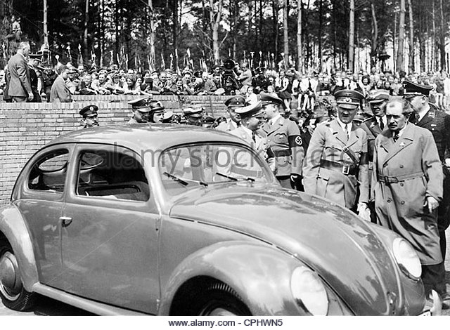 adolf-hitler-and-ferdinand-porsche-1938-cphwn5